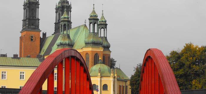 Most na Warcie w Poznaniu i widok na katedrę