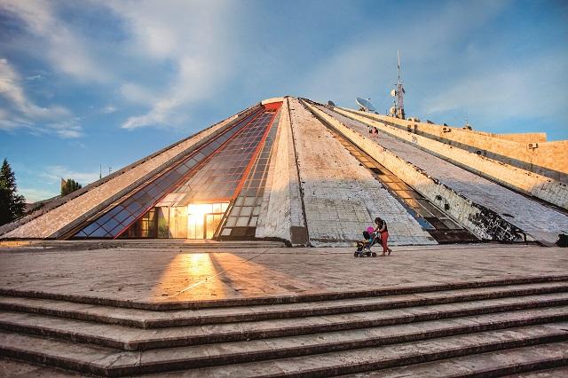 Piramidę współprojektowała córka dyktatora, Pranvera